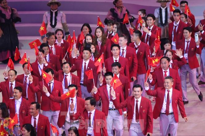 SEA Games 30 chính thức bắt đầu sau lễ khai mạc lung linh sắc màu - ảnh 9
