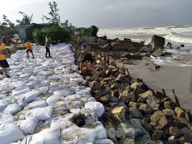 Bão 13 dữ dội nhất từ đêm nay đến sáng mai, nguy cơ ngập lụt lớn - ảnh 6