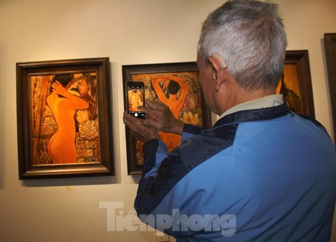 Vẻ đẹp của phụ nữ qua những bức tranh nude nghệ thuật - ảnh 17