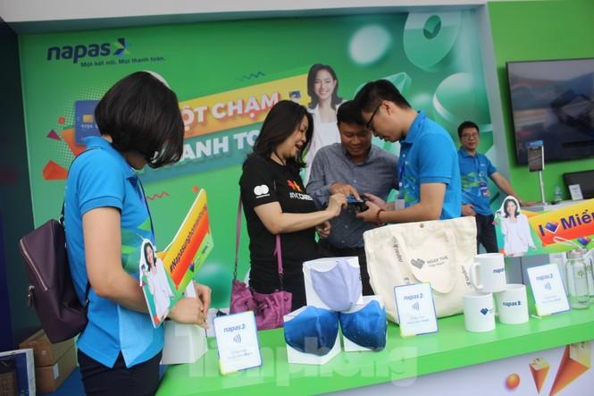 Nhiều công nghệ mới khiến giới trẻ xếp hàng chờ dùng thử tại Sóng Festival - ảnh 4