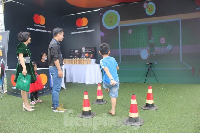 Nhiều công nghệ mới khiến giới trẻ xếp hàng chờ dùng thử tại Sóng Festival - ảnh 16