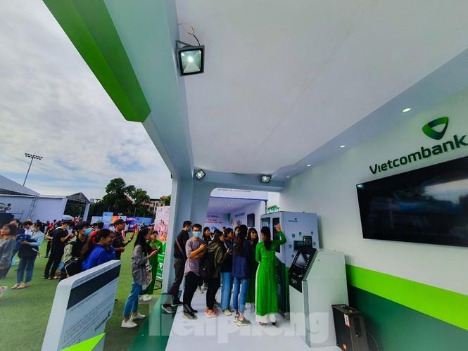Nhiều công nghệ mới khiến giới trẻ xếp hàng chờ dùng thử tại Sóng Festival - ảnh 5
