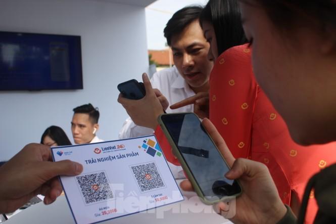 Nhiều công nghệ mới khiến giới trẻ xếp hàng chờ dùng thử tại Sóng Festival - ảnh 13