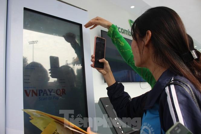 Nhiều công nghệ mới khiến giới trẻ xếp hàng chờ dùng thử tại Sóng Festival - ảnh 9