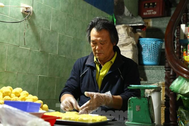 Cảnh dân làng nghề bánh phu thê ngon nức tiếng tại Bắc Ninh cần mẫn giữa vụ bánh Tết khó khăn - ảnh 10