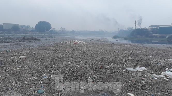 Yêu cầu dừng ngay việc mở cống nước thải, thanh tra ô nhiễm môi trường sông Cầu - ảnh 2