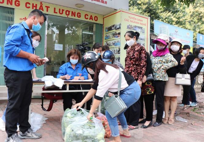 Tuổi trẻ Bắc Ninh hỗ trợ 'giải cứu' nông sản cho bà con Hải Dương - ảnh 2