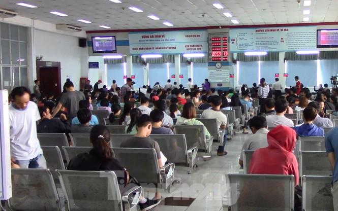 Gần 50.000 vé tàu Tết được đặt trong sáng đầu tiên ga Sài Gòn mở bán - ảnh 4