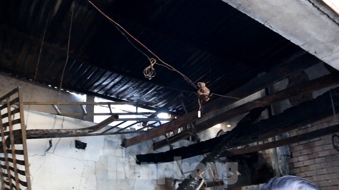 Vụ cháy làm 5 người chết ở Sài Gòn: Tìm mọi cách cứu người nhưng bất thành - ảnh 2