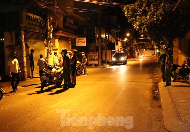 Xuyên đêm theo chân lực lượng 363 chống tội phạm mùa dịch COVID-19 - ảnh 2