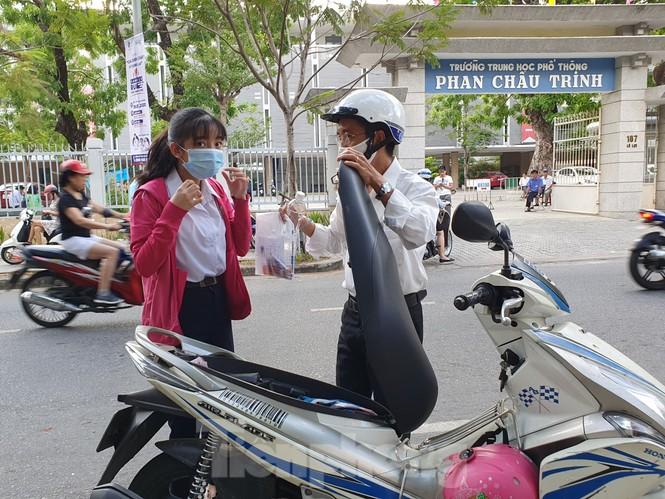 Thí sinh Đà Nẵng tranh thủ ôn tập trước giờ G - ảnh 6