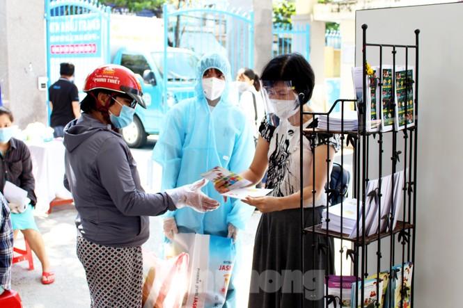 'Siêu thị di động' đến tận nhà giúp người khó ở Đà Nẵng - ảnh 12
