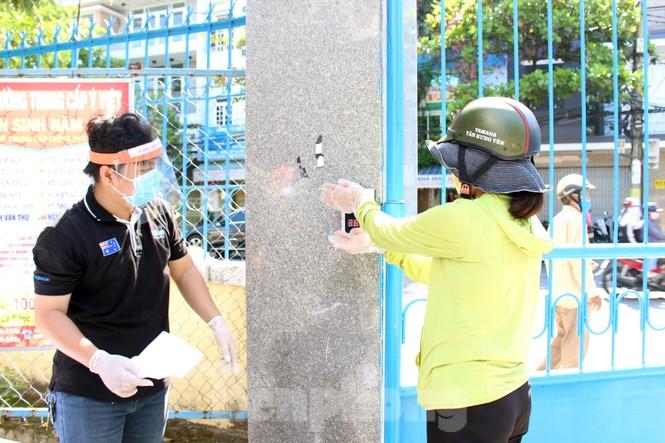 'Siêu thị di động' đến tận nhà giúp người khó ở Đà Nẵng - ảnh 3