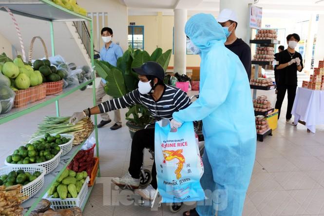 'Siêu thị di động' đến tận nhà giúp người khó ở Đà Nẵng - ảnh 8
