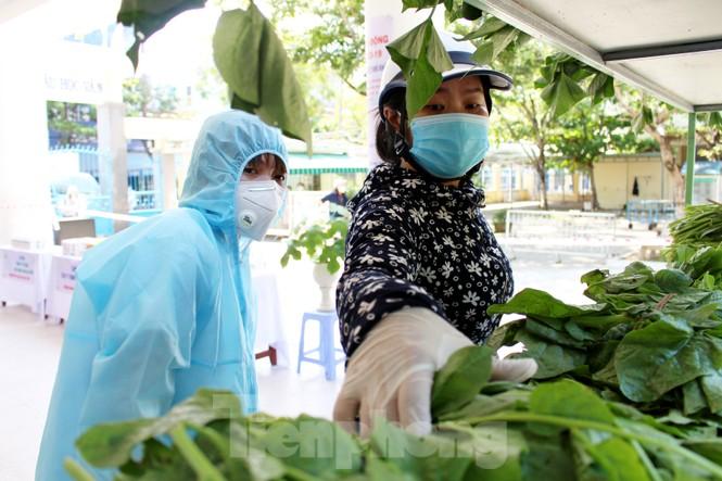 'Siêu thị di động' đến tận nhà giúp người khó ở Đà Nẵng - ảnh 11