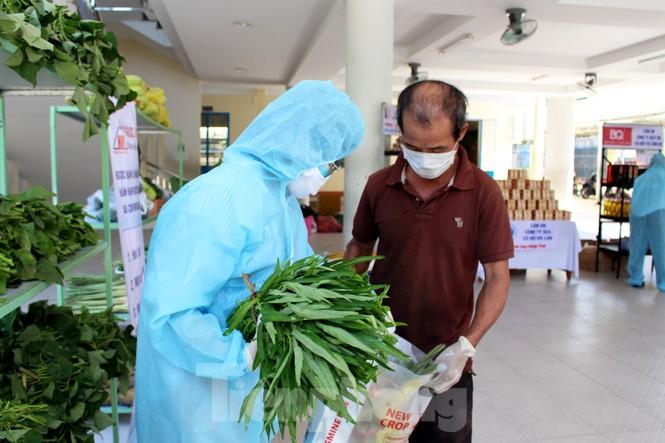 'Siêu thị di động' đến tận nhà giúp người khó ở Đà Nẵng - ảnh 7
