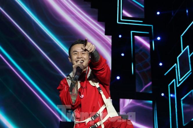Đen Vâu, BinZ... 'cháy' cùng khán giả Đà thành thời khắc bước sang năm mới 2021 - ảnh 6