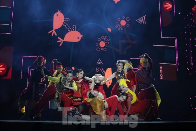 Đen Vâu, BinZ... 'cháy' cùng khán giả Đà thành thời khắc bước sang năm mới 2021 - ảnh 10