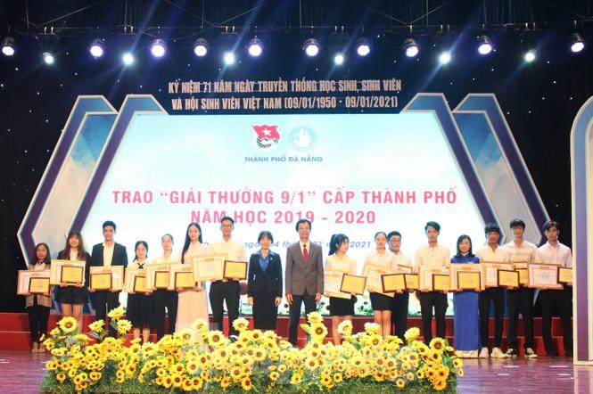 Thành Đoàn Đà Nẵng tặng 300 vé xe Tết cho sinh viên - ảnh 2