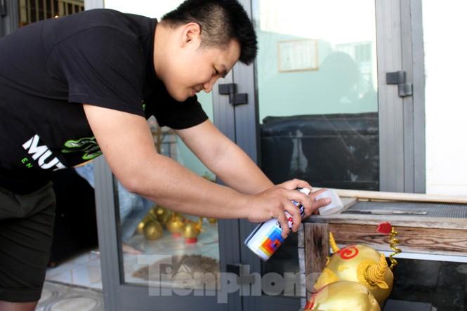Làm trâu vàng từ quả dừa, gây quỹ hỗ trợ người khó khăn - ảnh 9