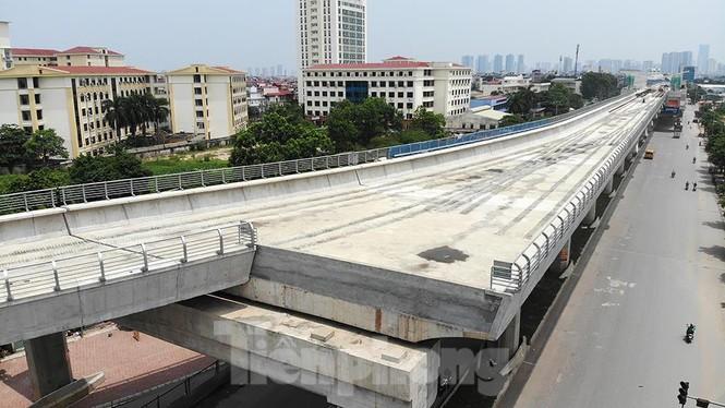 Hình hài đường sắt Nhổn - Ga Hà Nội sau 2 năm chậm tiến độ - ảnh 3