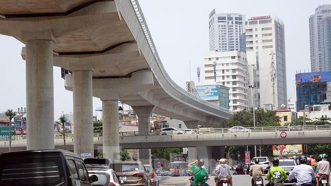 Hình hài đường sắt Nhổn - Ga Hà Nội sau 2 năm chậm tiến độ - ảnh 7