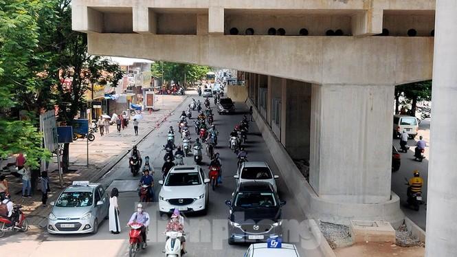 Hình hài đường sắt Nhổn - Ga Hà Nội sau 2 năm chậm tiến độ - ảnh 16