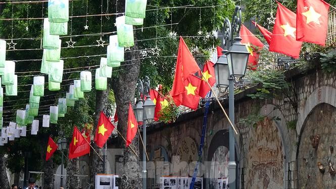 Tái hiện thời khắc lịch sử giải phóng Thủ đô cách đây 65 năm - ảnh 8