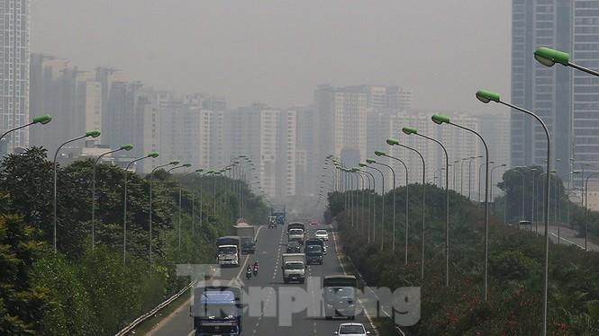 Hà Nội lại chìm trong ô nhiễm, khuyến cáo người dân hạn chế ra đường - ảnh 6