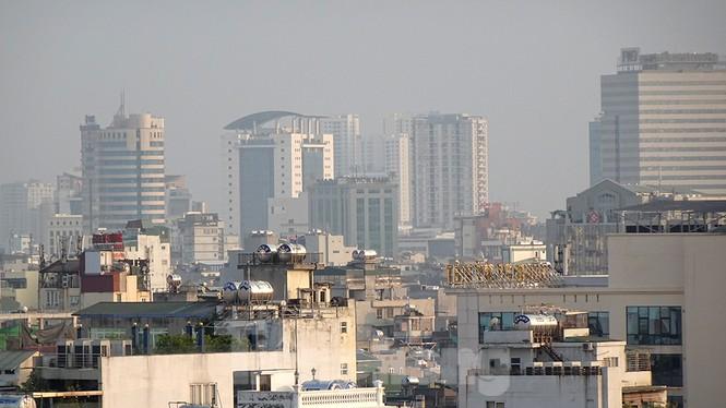 Hà Nội lại chìm trong ô nhiễm, khuyến cáo người dân hạn chế ra đường - ảnh 9