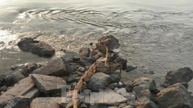 Hồ chứa cạn nhất 30 năm qua, Thủy điện Hòa Bình thấp thỏm chờ nước - ảnh 13