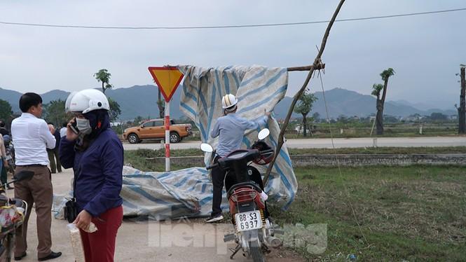 Hình ảnh người dân Nam Sơn tháo lều bạt sau đối thoại với chính quyền - ảnh 9