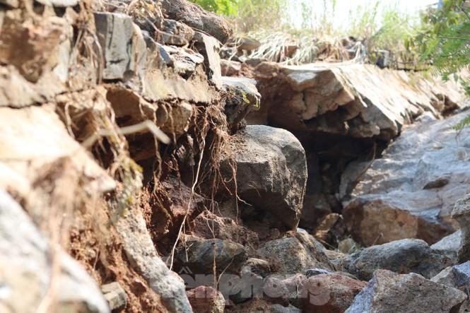 Bán đảo Sơn Trà sạt lở sau mưa bão - ảnh 10