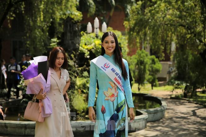 Hoa hậu Tiểu Vy làm Đại sứ Sinh viên Trường ĐH Sư phạm Kỹ thuật TPHCM - ảnh 8