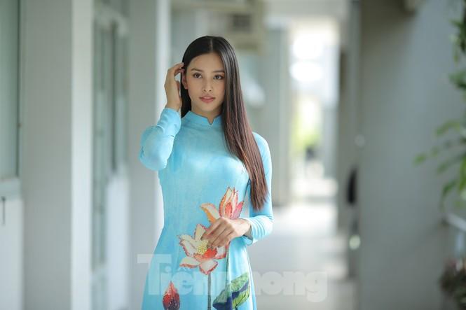 Hoa hậu Tiểu Vy làm Đại sứ Sinh viên Trường ĐH Sư phạm Kỹ thuật TPHCM - ảnh 3
