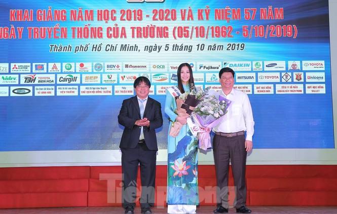 Hoa hậu Tiểu Vy làm Đại sứ Sinh viên Trường ĐH Sư phạm Kỹ thuật TPHCM - ảnh 2
