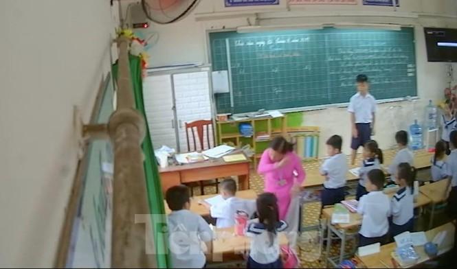 Tiếp tục đình chỉ 30 ngày với cô giáo đánh trẻ bị phị huynh đặt camera quay được - ảnh 1