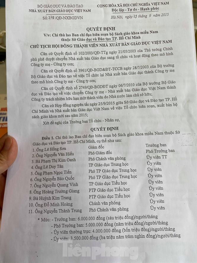 UBND TPHCM yêu cầu Sở GD&ĐT giải trình vụ nhận tiền làm sách của NXB Việt Nam - ảnh 1