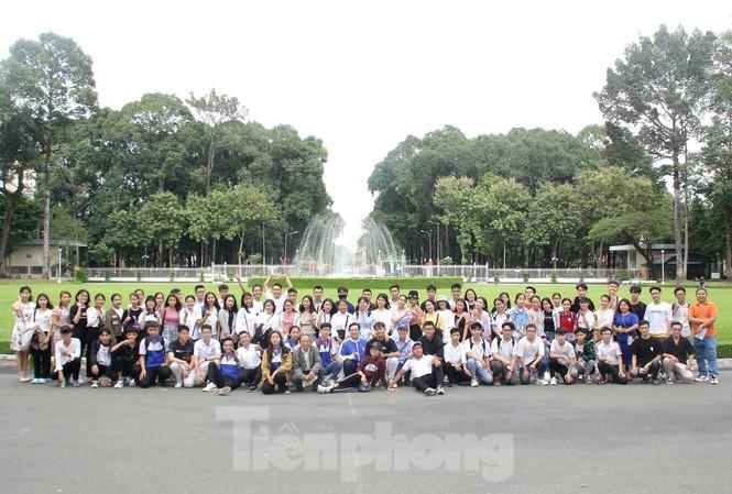 Báo Tiền Phong vinh danh và trao học bổng Nâng bước thủ khoa 2020 - ảnh 7