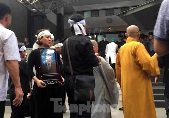 Di quan ông Trần Bắc Hà vào Sài Gòn làm tang lễ theo nguyện vọng gia đình - ảnh 3