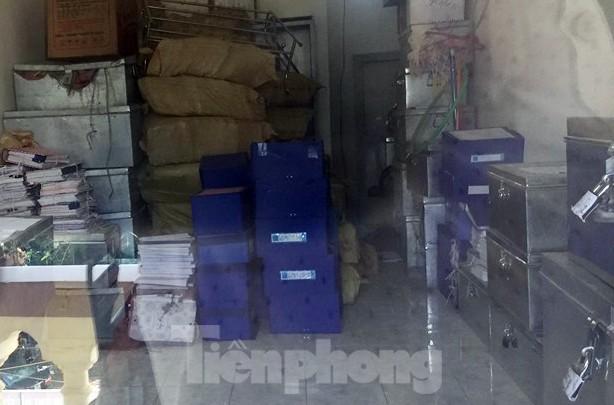 Cận cảnh nơi cất giữ tài liệu vụ gian lận điểm thi tại Hà Giang  - ảnh 5