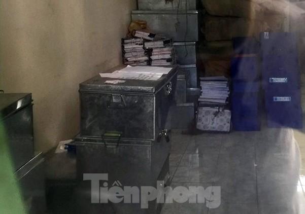 Cận cảnh nơi cất giữ tài liệu vụ gian lận điểm thi tại Hà Giang  - ảnh 6