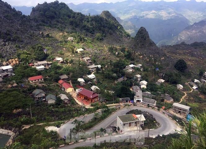Choáng ngợp cung đường Hạnh Phúc giữa núi non hùng vĩ ở Mã Pì Lèng - ảnh 6