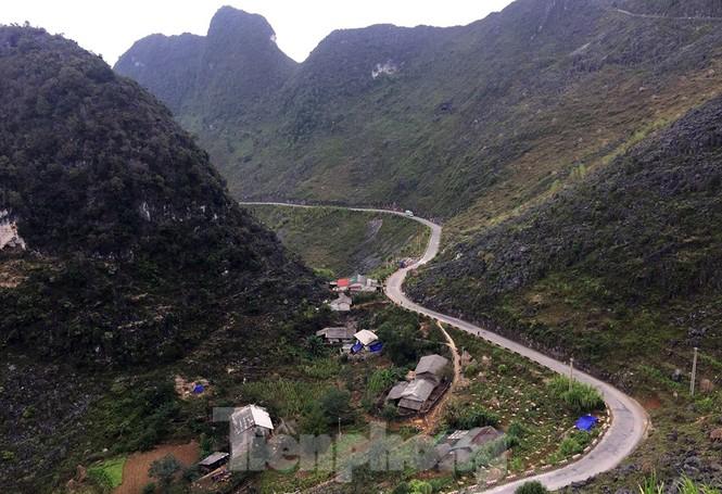 Choáng ngợp cung đường Hạnh Phúc giữa núi non hùng vĩ ở Mã Pì Lèng - ảnh 4
