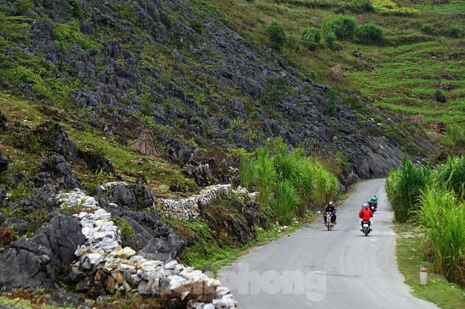 Choáng ngợp cung đường Hạnh Phúc giữa núi non hùng vĩ ở Mã Pì Lèng - ảnh 9