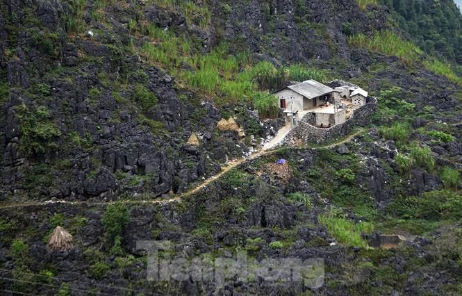 Choáng ngợp cung đường Hạnh Phúc giữa núi non hùng vĩ ở Mã Pì Lèng - ảnh 11