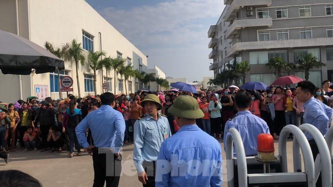 Công an điều tra vụ hàng trăm công nhân ở Vĩnh Phúc nhập viện nghi ngộ độc - ảnh 2