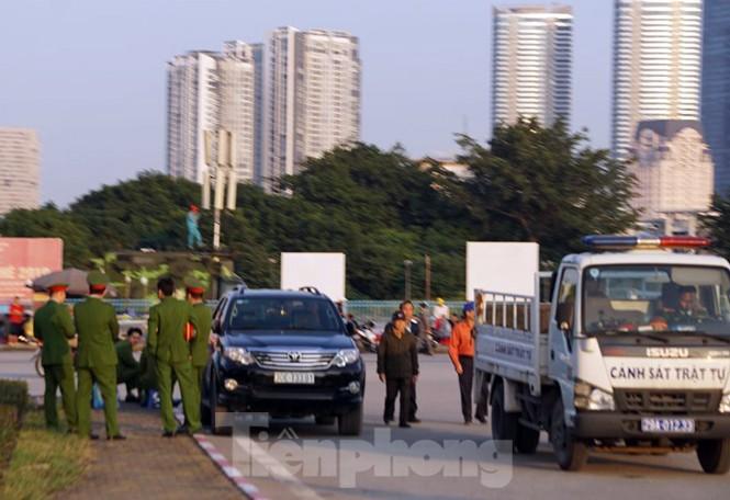 Cảnh sát soi an ninh, kiểm soát nhiều vòng tại sân Mỹ Đình - ảnh 7