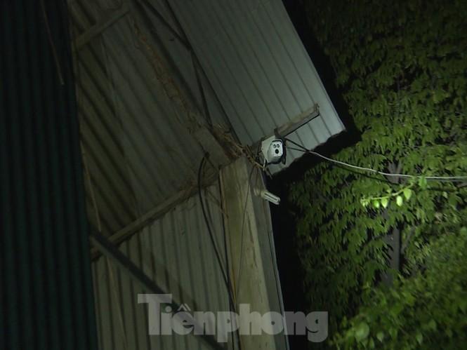 Cận cảnh sới bạc dưới hầm ngầm ở Vĩnh Phúc bị cảnh sát triệt phá - ảnh 6