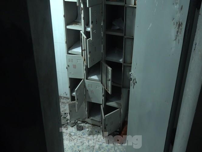 Cận cảnh sới bạc dưới hầm ngầm ở Vĩnh Phúc bị cảnh sát triệt phá - ảnh 7